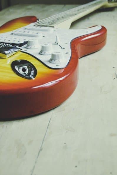 Epiphone Les Paul Electric Guitar VS Squier Stratocaster Electric Guitar Comparison