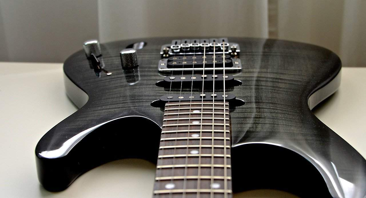 the ultimate ibanez rg8 electric guitar review everyone will love guitar space. Black Bedroom Furniture Sets. Home Design Ideas