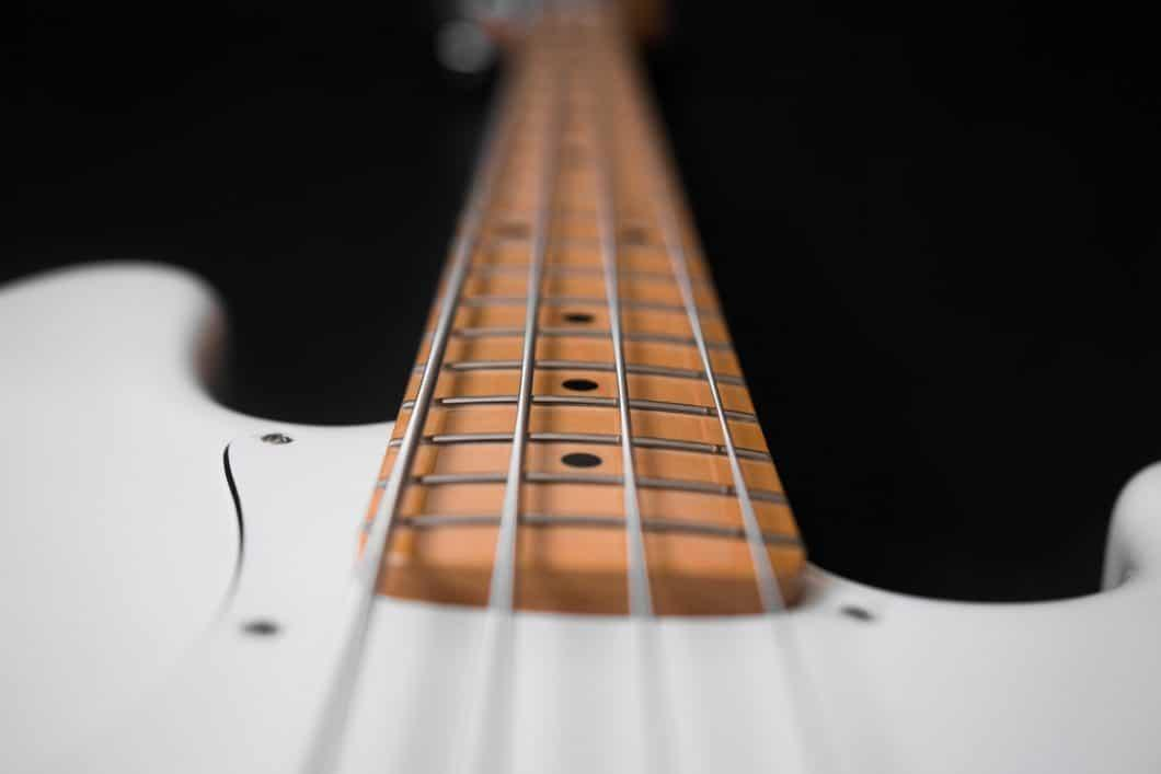 how to find best bass guitar