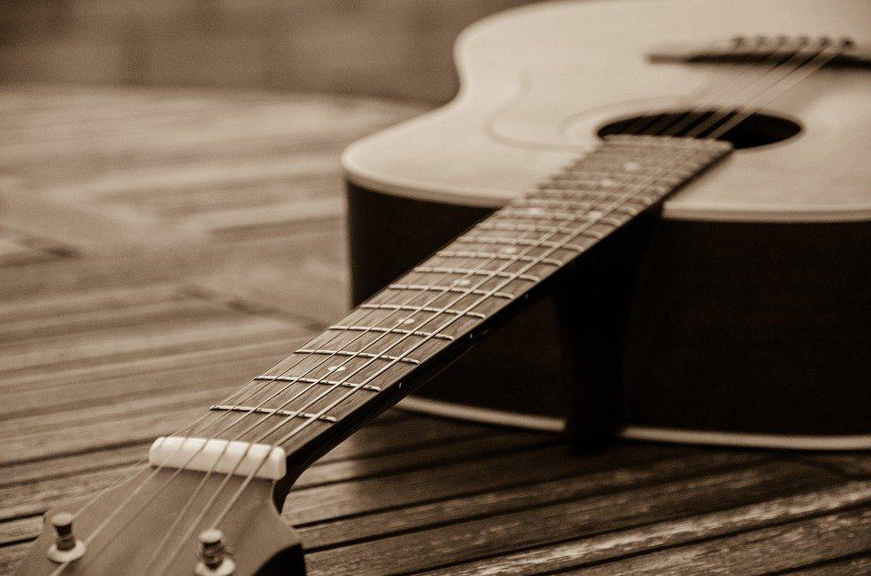 humidity affecting guitar