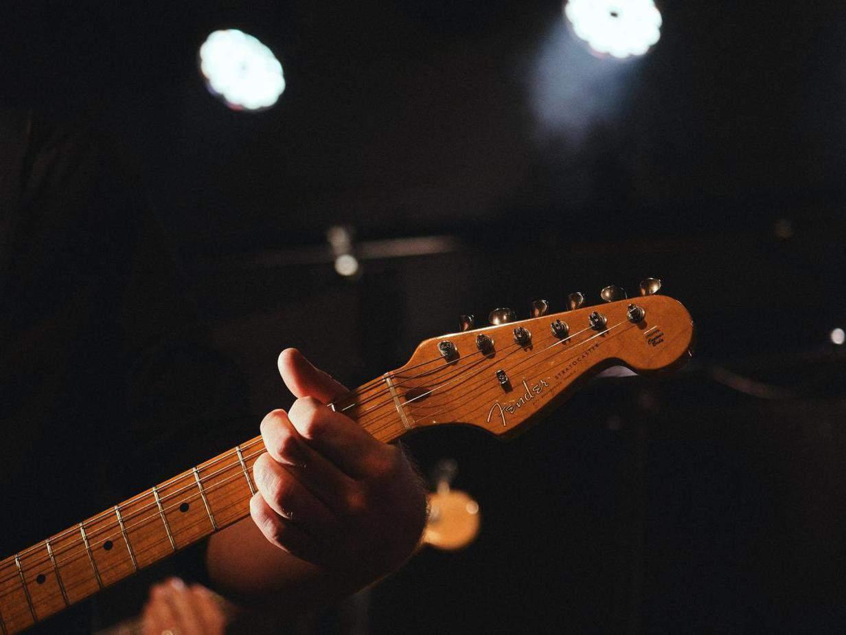 Best Headless Guitar Kits