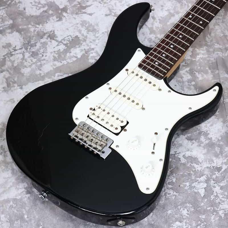 Yamaha Pacifica PAC112V Black  /1210 | Reverb