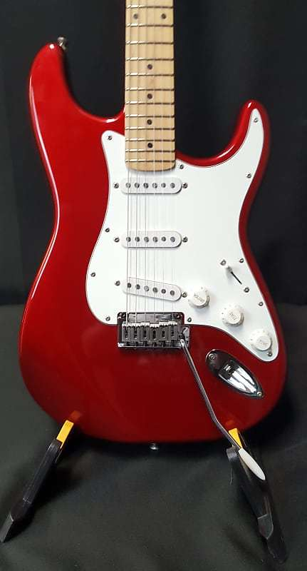 Squier Standard Stratocaster with Maple Fretboard 2001 | Reverb